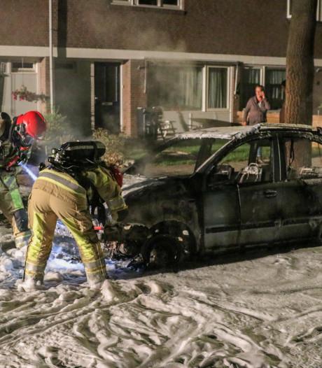 Brand verwoest auto in Creil