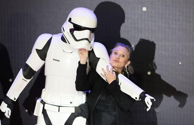 Met een stormtrooper op de Europese première van 'Star Wars, The Force Awakens' vorig jaar.