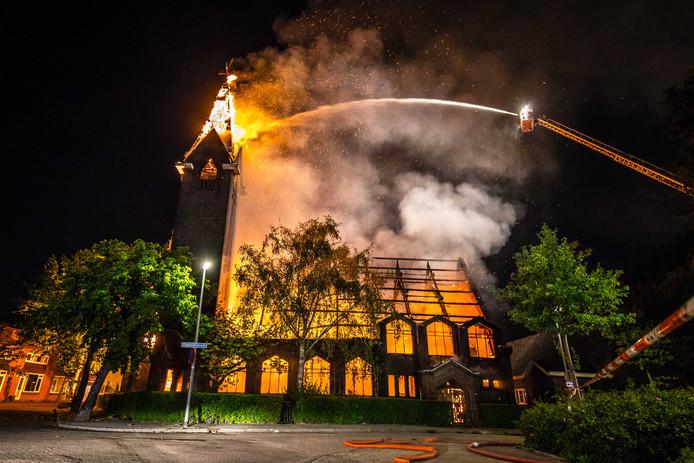 De brand in de kerk was een waar inferno.
