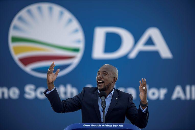 Mmusi Maimane van de Democratische Alliantie (DA), de grootste oppositiepartij. Beeld AFP