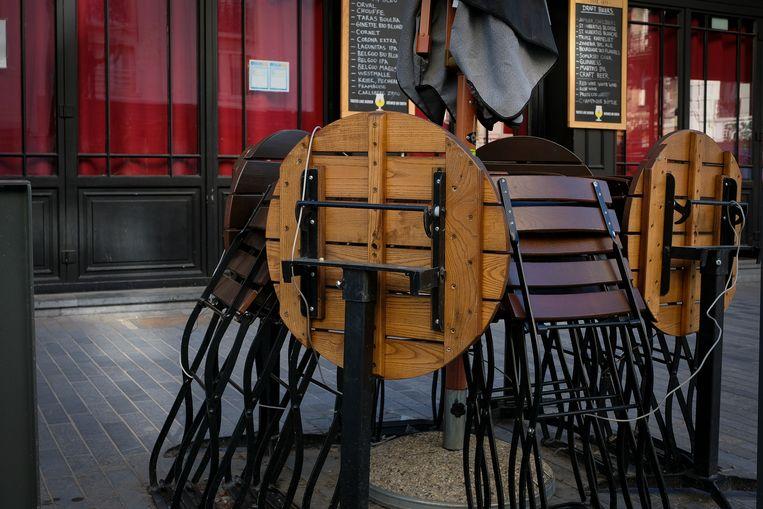 Gesloten cafés duwden de overheidsschuld mee de hoogte in.  Beeld Marc Baert