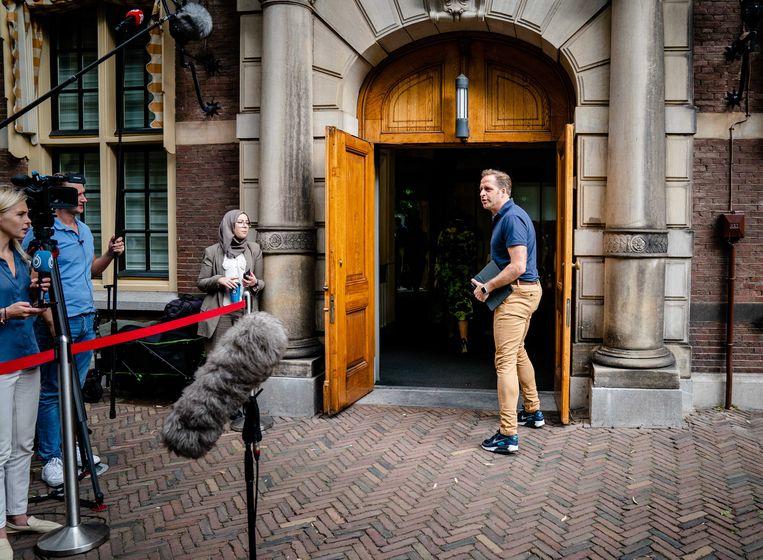 Demissionair Minister Hugo de Jonge van Volksgezondheid, Welzijn en Sport (CDA) bij aankomst op het Binnenhof voor de ministerraad.  Beeld Bart Maat/ANP