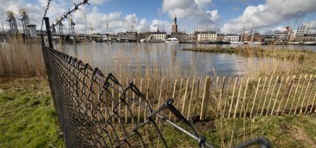 Hanzepaviljoen begint te vroeg met hek; gemeente Kampen fluit ondernemer terug