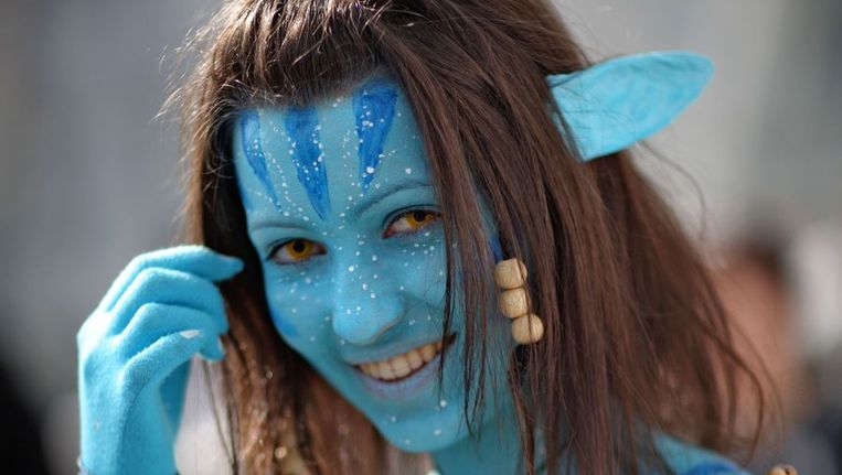 Een vrouw omgetoverd tot een personage uit Avatar. Beeld ANP