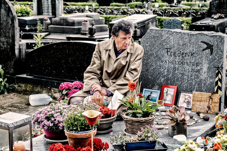 Lucas Vanclooster: 'Praktische zaken regelen voor de begrafenis van je kind: dat is om waanzinnig van te worden.' Beeld TIM DIRVEN