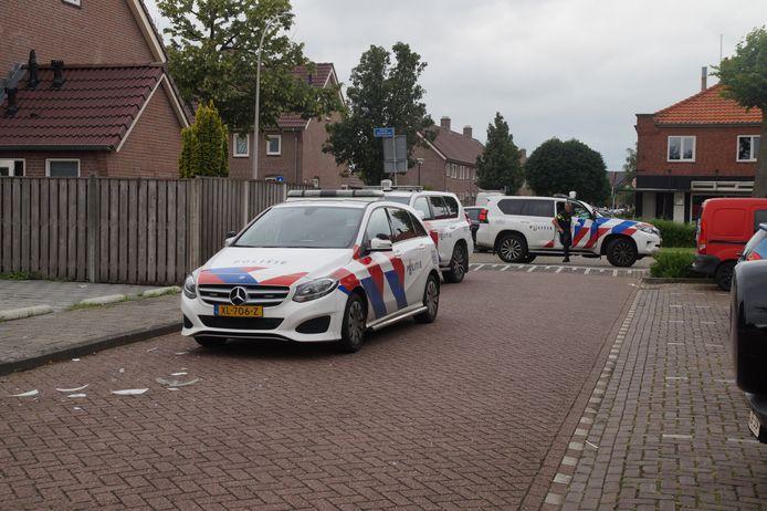 Een man is maandagmiddag rond 15.35 uur lichtgewond geraakt bij een schietincident ter hoogte van de Anreas Zijlmansstraat in Waalwijk.