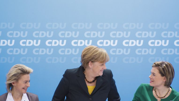 Ursula von der Leyen, Angela Merkel en Julia Kloeckner Beeld getty