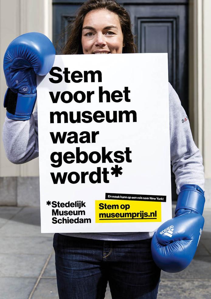 BN'ers gingen op de foto voor het Stedelijk Museum Schiedam.