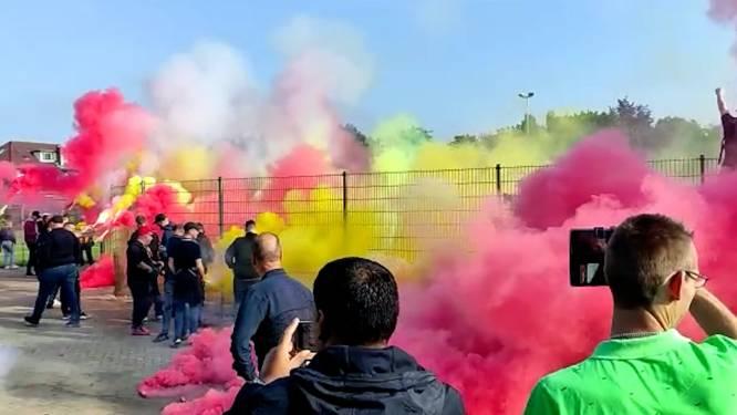Honderden fans zetten GA Eagles in vuur en vlam: laatste training voor IJsselderby vol fakkels en vreugdevuur
