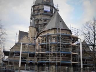 Onze-Lieve-Vrouwkerk in de steigers gezet voor werken aan dak en gevels