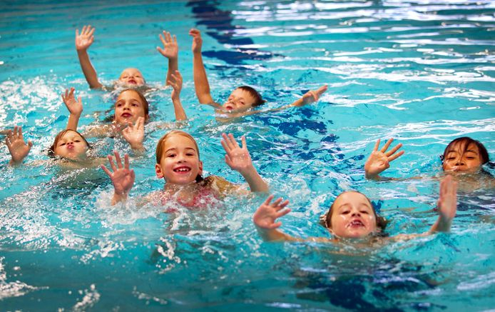 De bedoeling is om het schoolzwemmen af te bouwen en er met ingang van het schooljaar 2024/2025 helemaal mee te stoppen.