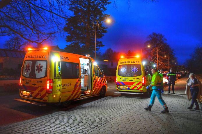 Een straat vol ambulances en politie vorig jaar januari in Eersel. Drie flink aangeschoten Litouwers kwamen verhaal halen en maakten drie slachtoffers. Juridisch gezien waren dat pogingen tot moord