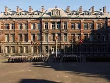 Réaction chimique dans un laboratoire, l'École royale militaire évacuée