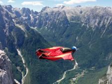 Un quadragénaire perd la vie dans un accident de wingsuit dans les Alpes suisses
