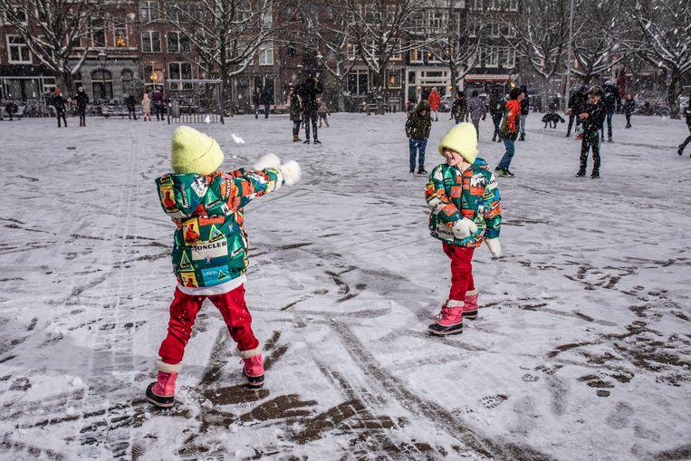 Sneeuwpret in Amsterdam Beeld Nosh Neneh