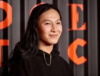 """Modeontwerper Alexander Wang beschuldigd van seksuele intimidatie door verschillende modellen: """"Hij is een seksueel roofdier"""""""