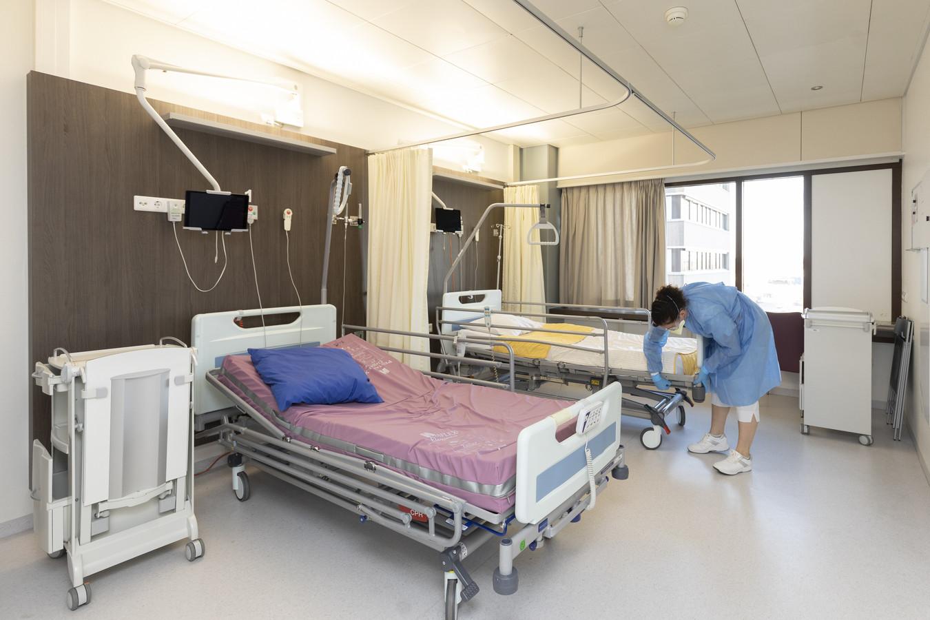 Een afdeling in ZGT Almelo die gereed wordt gemaakt voor de opvang van coronapatiënten.
