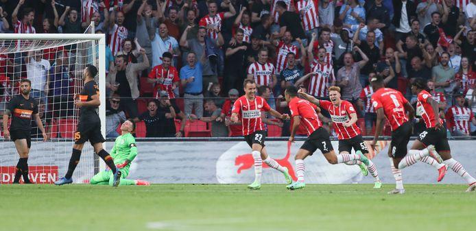 PSV won het duel met Galatasaray met 5-1.