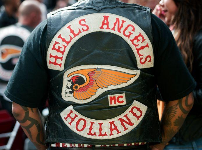 Een lid van de Nederlandse Hells Angels.