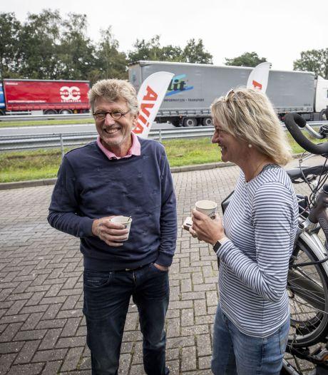 Groningers tanken in Deurningen: 'In Twente is het gewoon altijd gezellig'