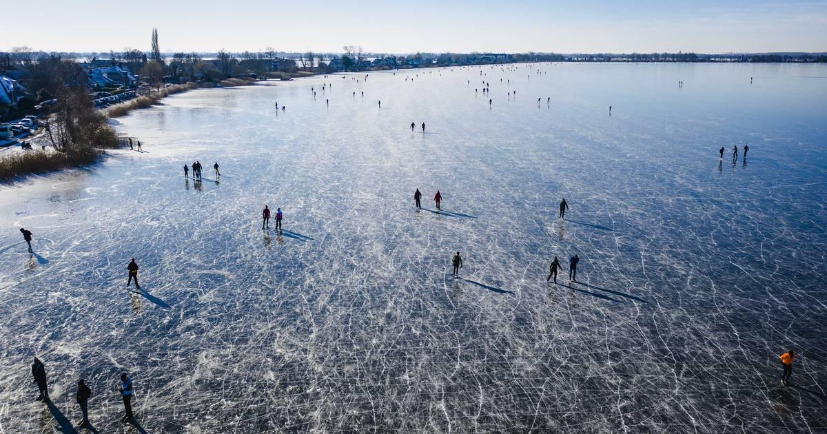 TERUGLEZEN   Steeds meer regio's waarschuwen voor snelle dooi: 'Verlaat het ijs' - Tubantia
