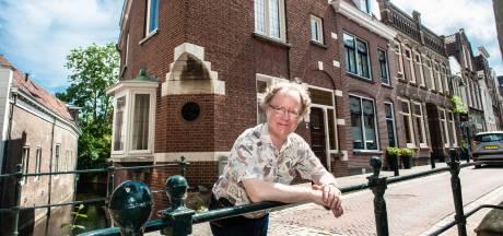 Ruziezoeker in oersaai Gouda: Jean-Philippe ging de Goudse sporen na van schrijver Herman de Man