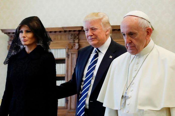 De Ceukelaire stuurde de mail vanmorgen, op het moment dat Donald en Melania Trump op audiëntie waren bij de paus.