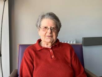 Margaretha Van Herreweghe blaast 101 kaarsjes uit en viert bescheiden feestje