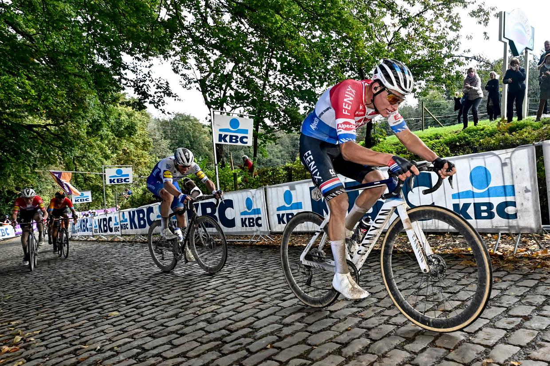 Mathieu van der Poel, afgelopen zondag op de Kemmelberg tijdens Gent-Wevelgem. Beeld BELGA