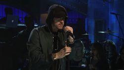 Eminem verrast met krachtige medley van grootste hits