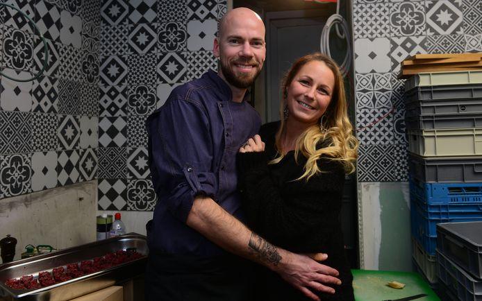 Chef Bart Tastenhoye en zijn wederhelft Dorotée Hoste kiezen nu opnieuw voor takeaway in afwachting van de langverwachte heropening van de horeca.