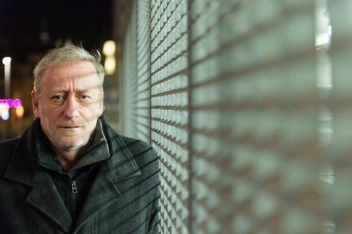 Auteur Luc Deflo.
