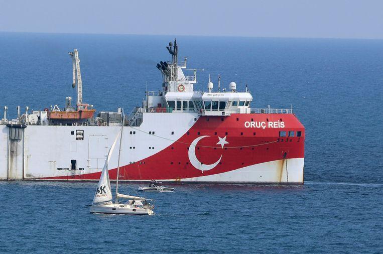 Het Turkse onderzoeksschip Oruç Reis, dat zich afgelopen weekend ophield bij het Griekse eiland Kastellorizo.  Beeld AP