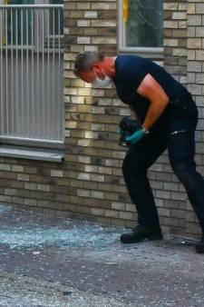 Explosief ontploft in Enschede, schade aan diverse panden: 'Hoorden overal glasgerinkel'