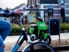 Apeldoorn ziet misbruik groene deelscooters afnemen: 'Op korte termijn kunnen mensen hiervan gebruik blijven maken'