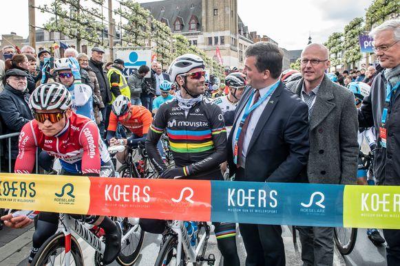Enkele momenten voor de start van Dwars door Vlaanderen 2019.