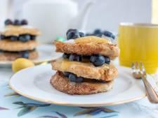 Wat Eten We Vandaag: Wentelteefjes met lemon curd, kokosyoghurt en blauwe bessen