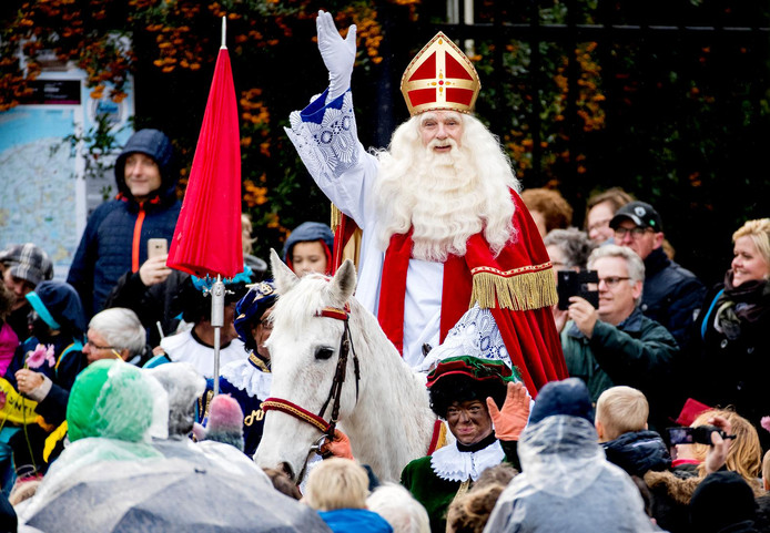 De Sinterklaasintocht vorig jaar in Dokkum.