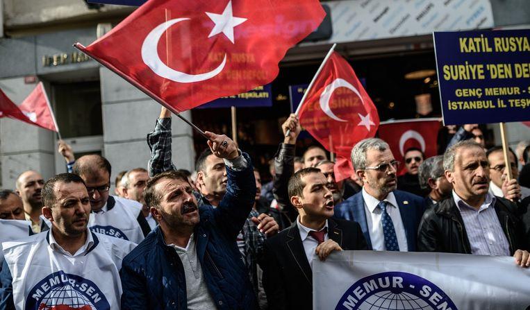Turken demonstreren tegen Ruslands buitenlandbeleid in Istanboel Beeld afp