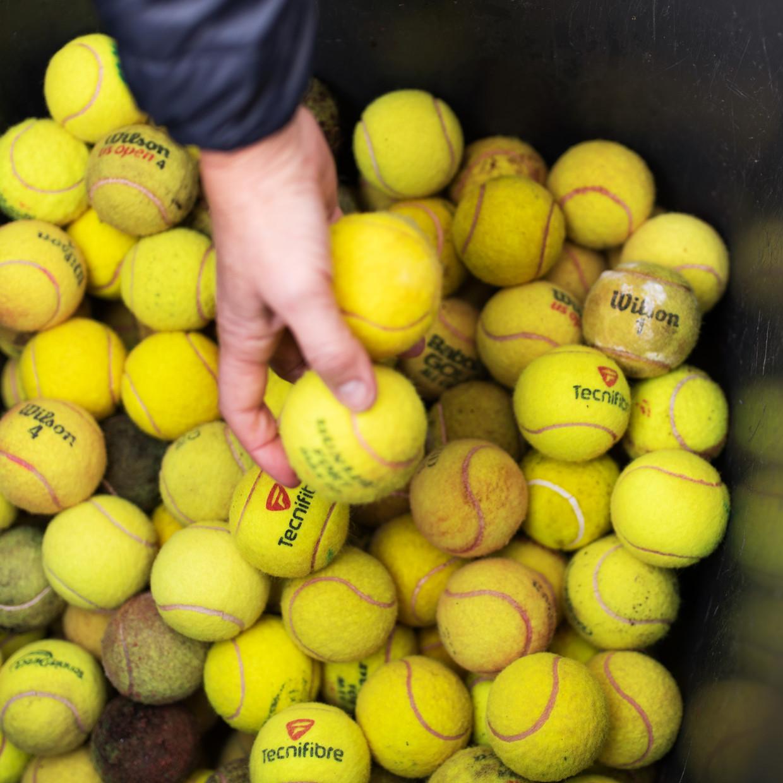Te recyclen tennisballen. Beeld Sabine van Wechem