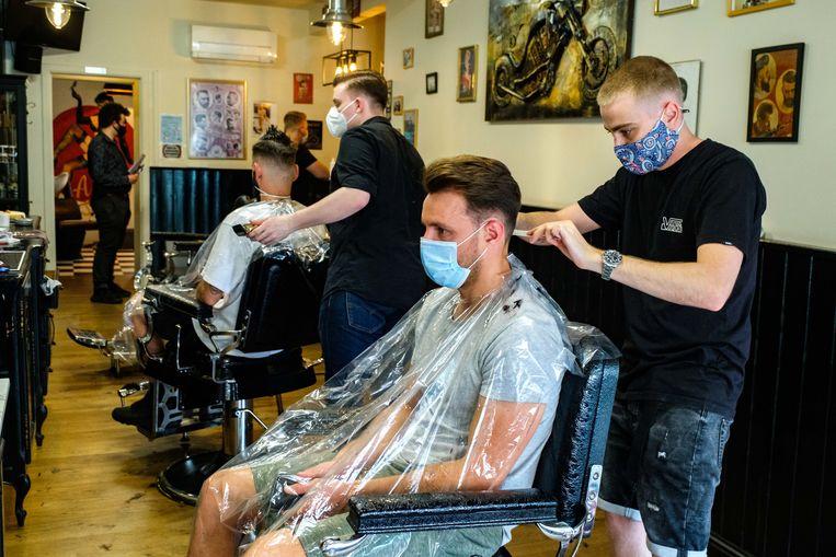 Bij Jurgen's Classic Barbershop op de Handelslei kwamen heel wat klanten langs op Hemelvaart voor een knipbeurt
