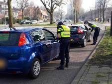 Flinke buit: politie deelt in Oog in Al 42 boetes uit aan automobilisten met telefoon in de hand