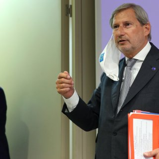Eurocommissaris Begroting: 'Het is niet prettig als steeds dezelfde landen hun hand moeten ophouden'