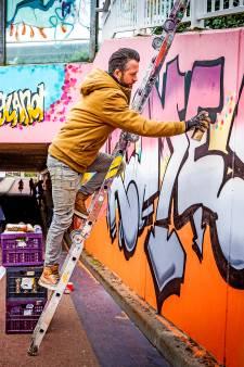 Graffiti-kunstenaars veroorzaken kleurexplosie in grauwe N3-tunnel