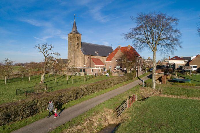 Over twee jaar (op 24 februari 2021) viert Wilsum het 700-jarig bestaan. Het bestuur van Dorpsbelangen Wilsum wil hier uitgebreid aandacht aan besteden. Het bestuur heeft aan de inwoners van Wilsum gevraagd om ontwerpen in te leveren voor een logo voor dit project. Op de foto de Hervormde Kerk, de oudste kerk van Overijssel die rond het jaar 1000 is gebouwd.