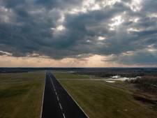 Vliegveld Twente als ongewoon decor voor een marathon met grote belangen