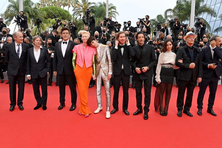 De cast van The French Dispatch op het filmfestival in Cannes.  Beeld AFP
