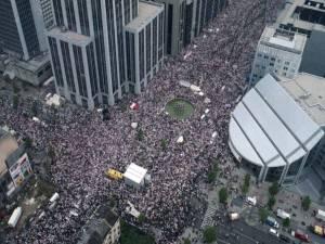 Il y a 25 ans, 300.000 personnes défilaient en blanc contre la violence faite aux enfants