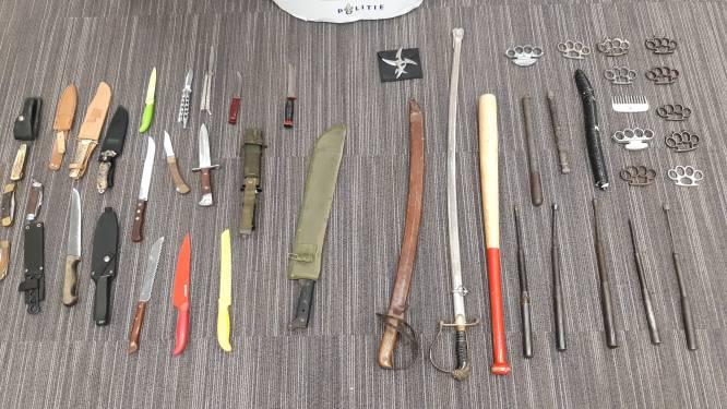 Tientallen steekwapens van de straat na Apeldoornse verzamelactie: 'Dit waarschuwt jongeren voor het gevaar'