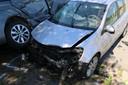 De voertuigen liepen zware schade op.